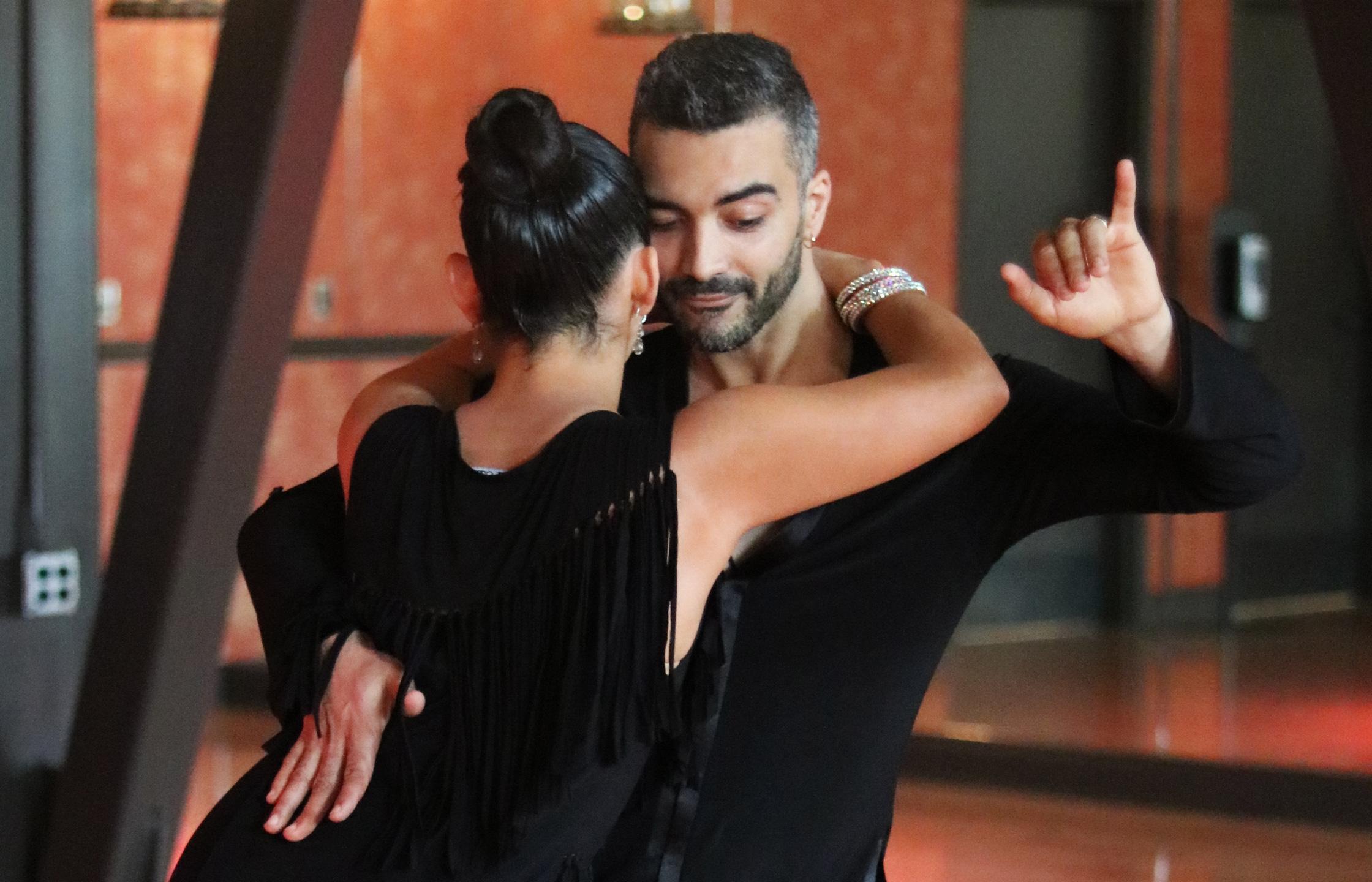 Bachata | Dance With Me Studios